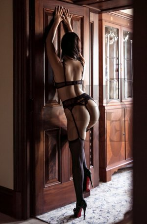 Lilie-rose escort girl