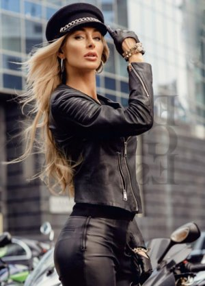 Gertrud escort girls in Winter Gardens CA