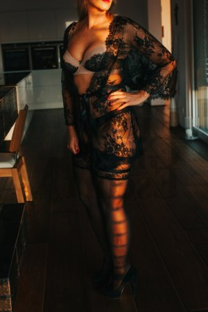 Annie-christine escort girl