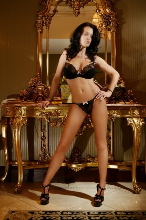 Leane live escort in Winter Gardens